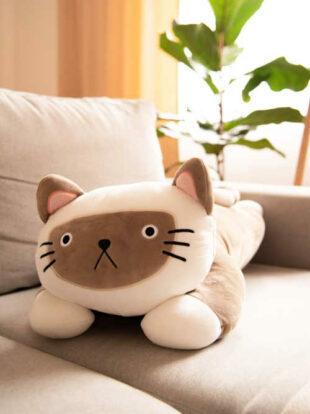 Polštářek ve tvaru roztomilé kočky